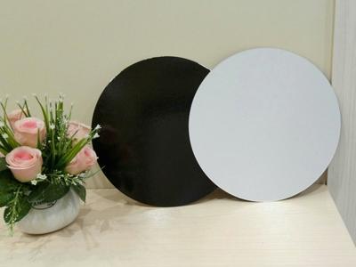 Подложка ламинированная 200 мм.круглая ч/б толщина 0,8 мм
