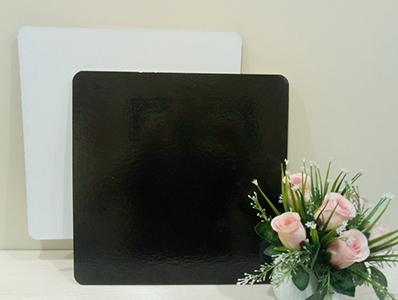 Подложка квадратная, толщиной 3,2 мм,ламинированная, 340*340 мм. ч/б.