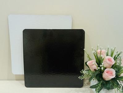 Подложка квадратная, толщиной 3,2 мм,ламинированная, 290*290 мм. ч/б.