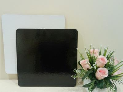Подложка квадратная, толщиной 3,2 мм, ламинированная, 240*240 мм ч/б